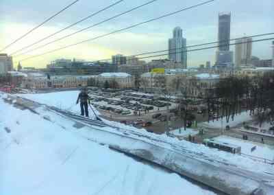 Уборка улиц и дорог от снега с крыши. Гидроизоляция кровли - Екатеринбург, цены, предложения специалистов