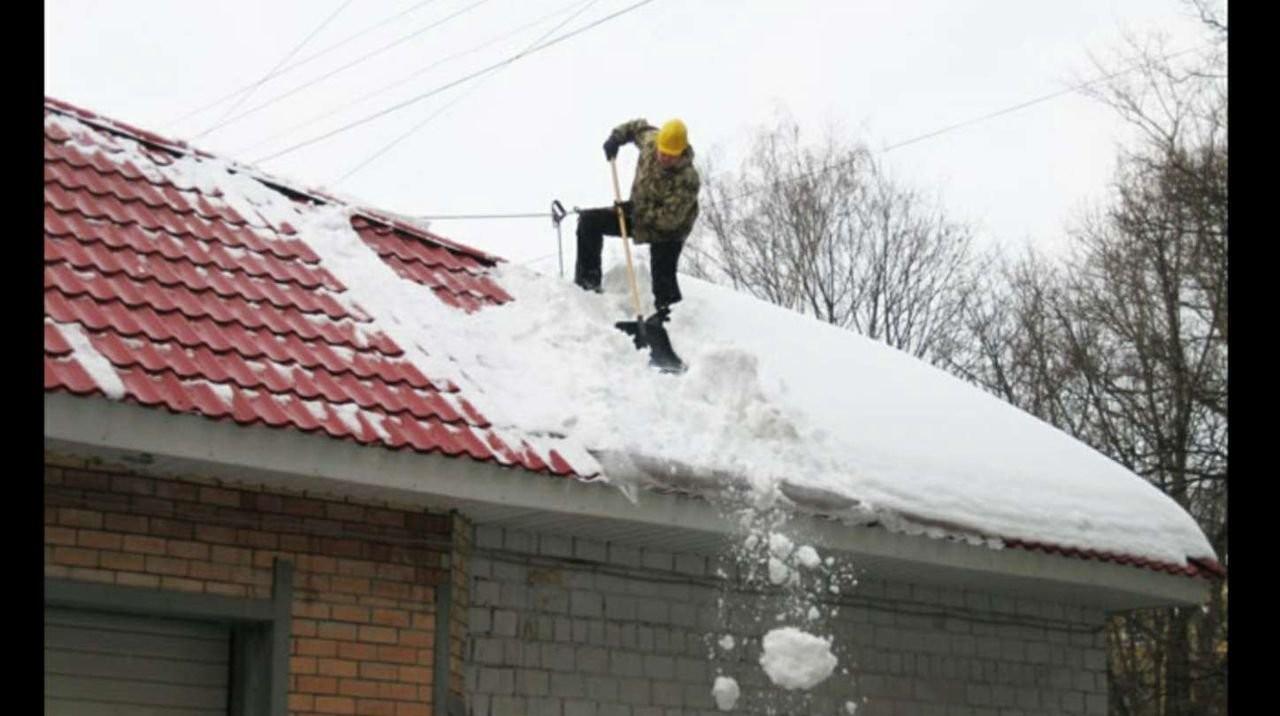 Уборка улиц и дорог от снега и мусора гаражи и т.д - Новоуральск, цены, предложения специалистов